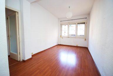 Piso en venta Barcelona, a reformar, barrio El Fort Pienc, calle Napols